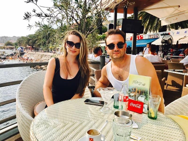 Linda Jefkaj sa bratom Emrahom Jefkaj (Foto: Instagram)