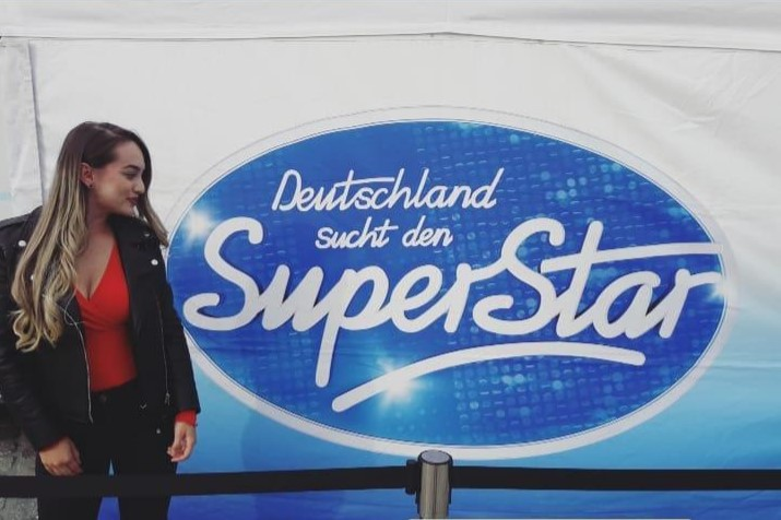 "Linda Jefkaj na najpoznatijem talent show-u ,,Deutschland such den Super Star"" (Foto: Instagram)"