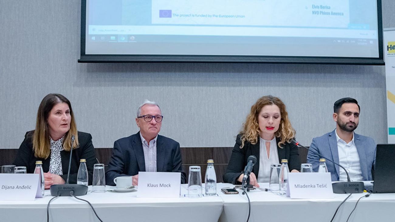"""Priijem povodom zvaničnog početka projekta """"Nevladine organizacije u akciji promocije i zaštite ljudskih prava Roma i Egipćana u Crnoj Gori"""" (Izvor: PR Centar)"""