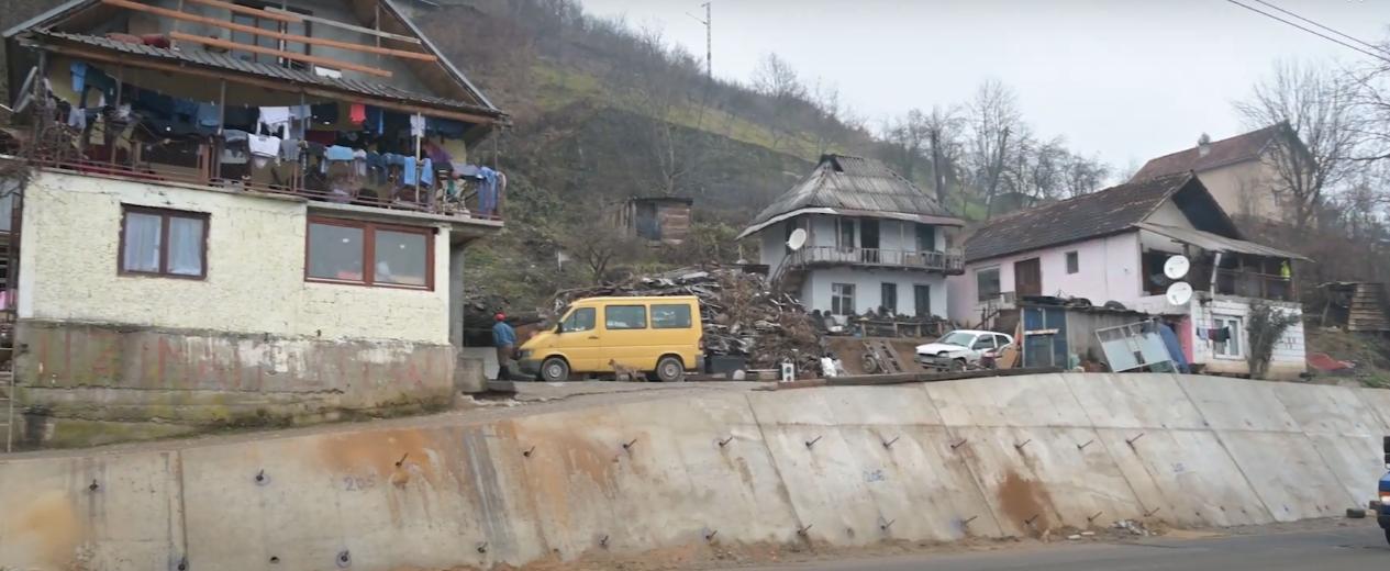 Romsko naselje Rakonje u Bijelom Polju (Fotografija: internet)