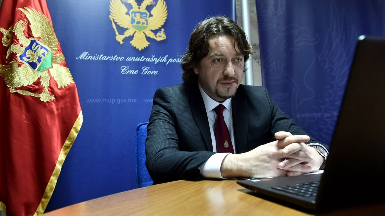 Sergej s-min