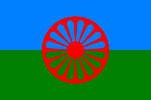roma-flag-min