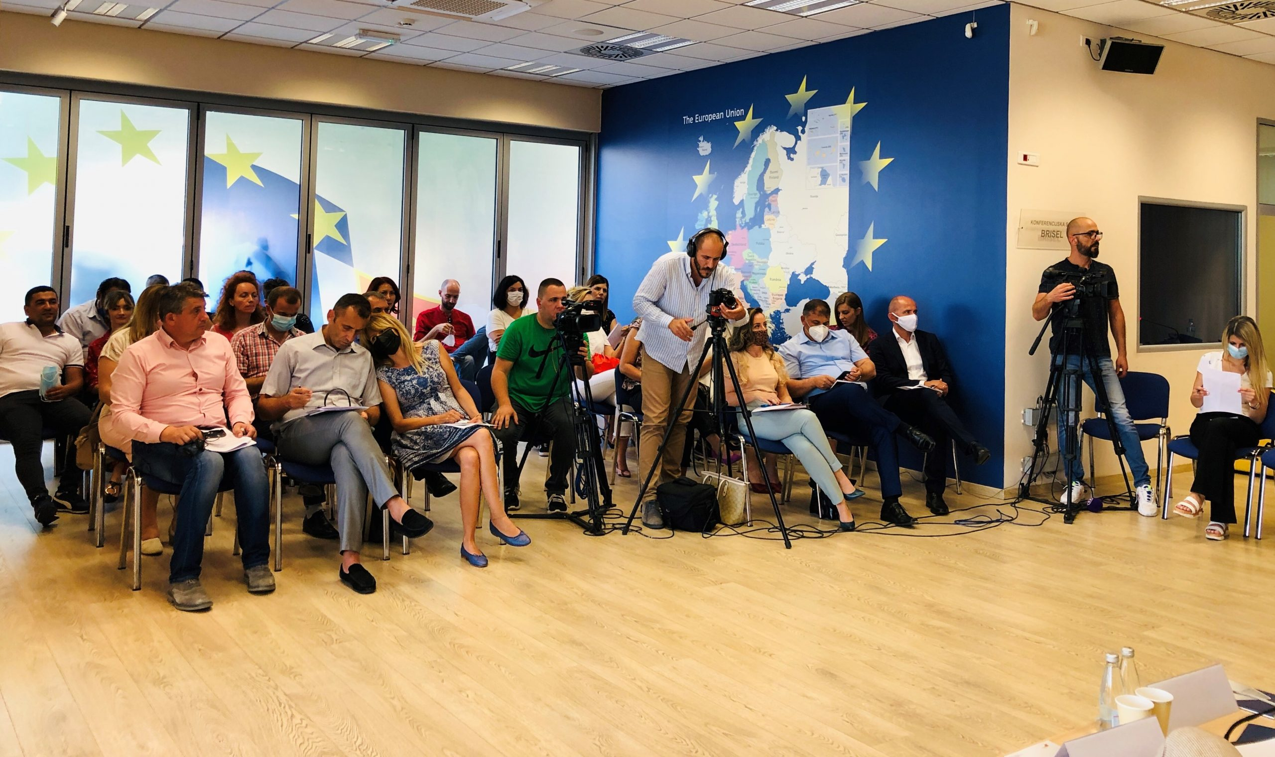 Učesnici konferencije ( Foto: RomaNet)